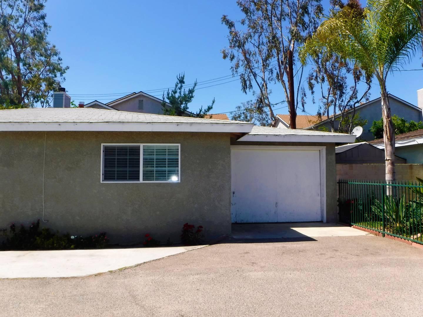 916 W 18th Costa Mesa, CA 92627