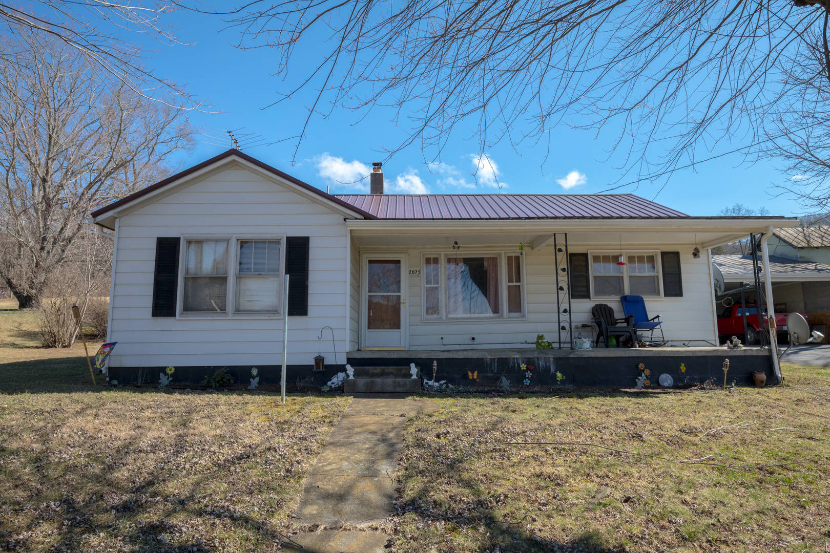 2075 Castleton Rd Max Meadows, VA 24360