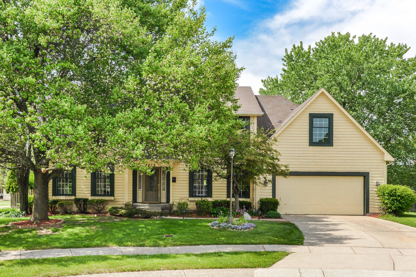8452 Seekonk Ct. Indianapolis, IN 46256