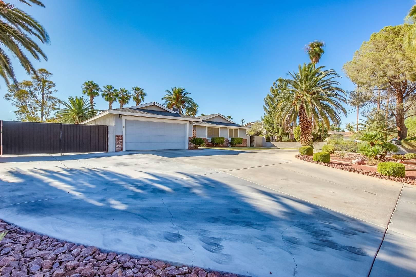 1643 Hinson St Las Vegas, NV 89102