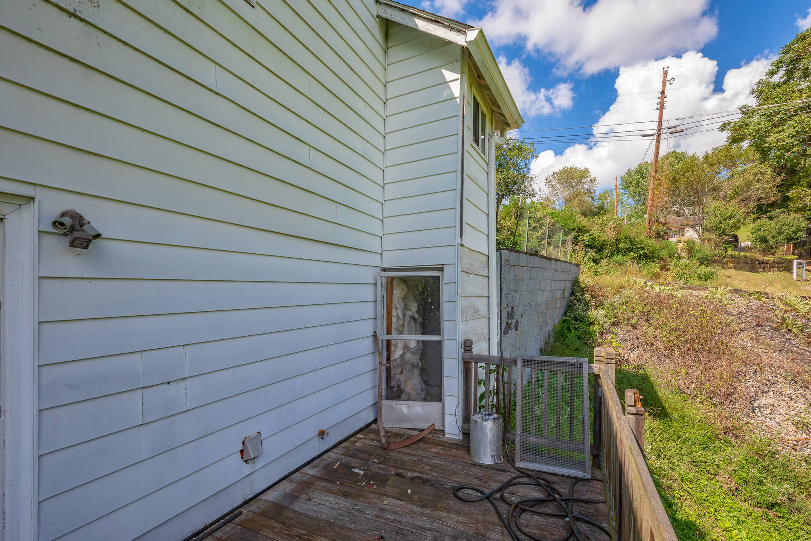 343 Post Road Falls Mills, VA 24613