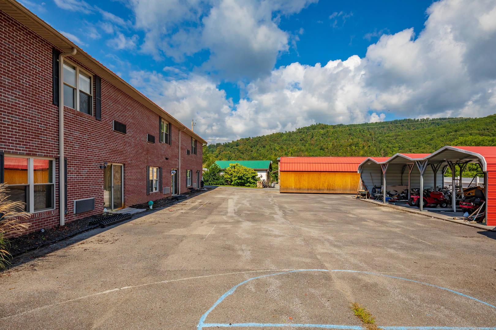 360 M L Thompson Drive Rocky Gap, VA 24366