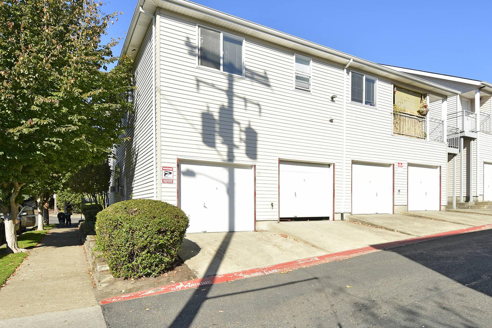 8406 NE Knott St Portland, OR 97220