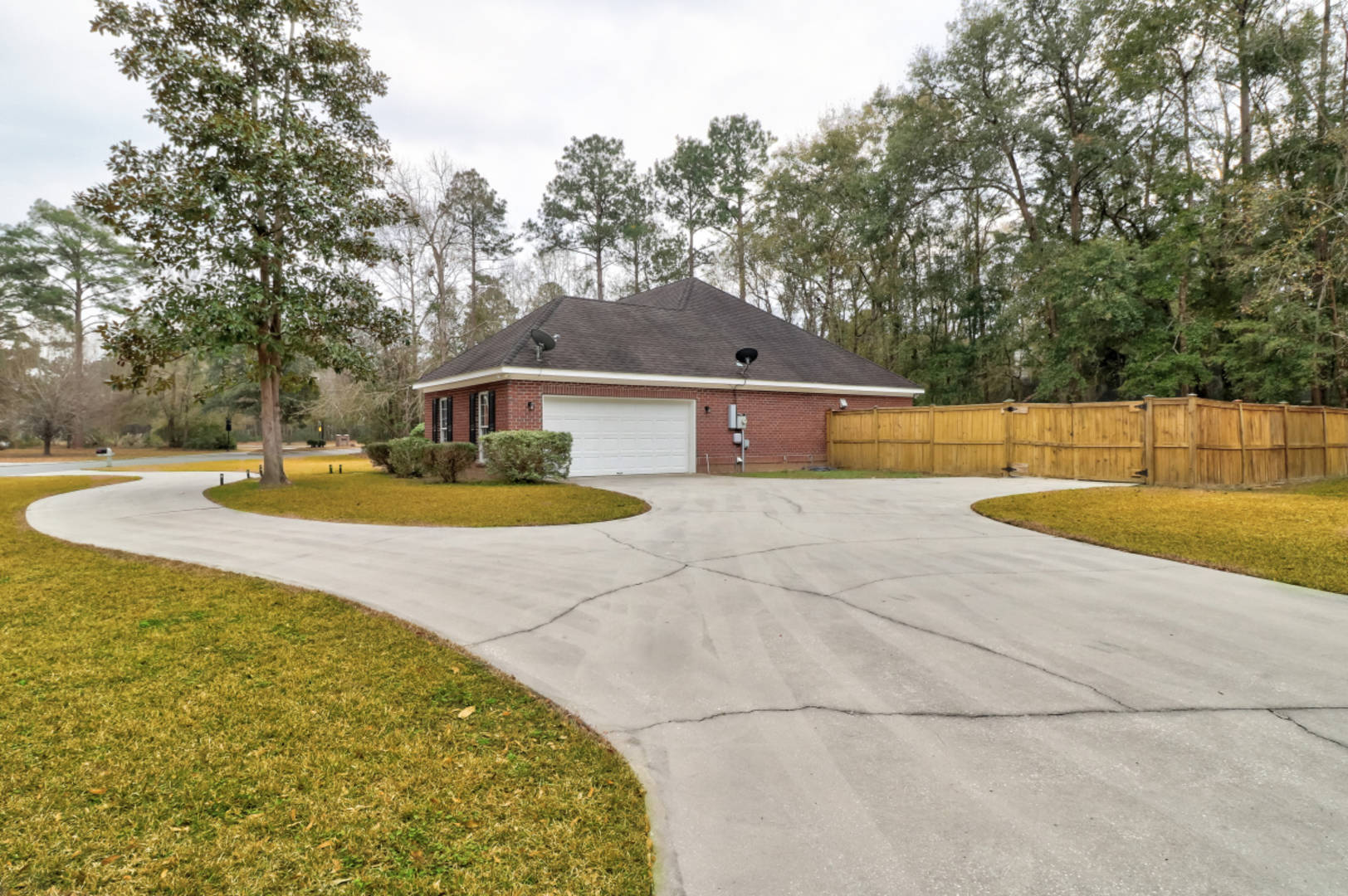 79 Churchill Ct Richmond Hill, GA 31324