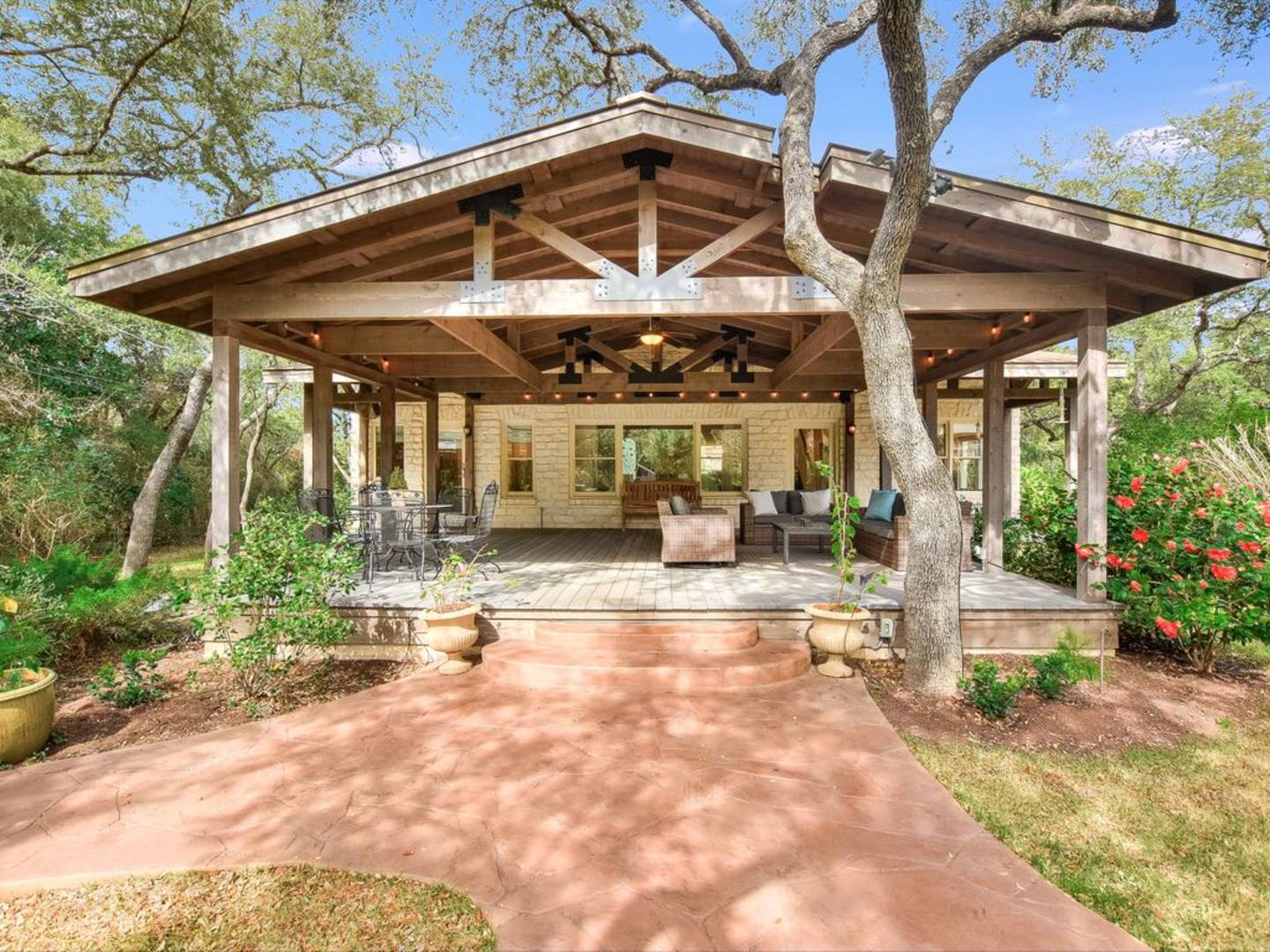 16807 Trail of the Woods Austin, TX 78734