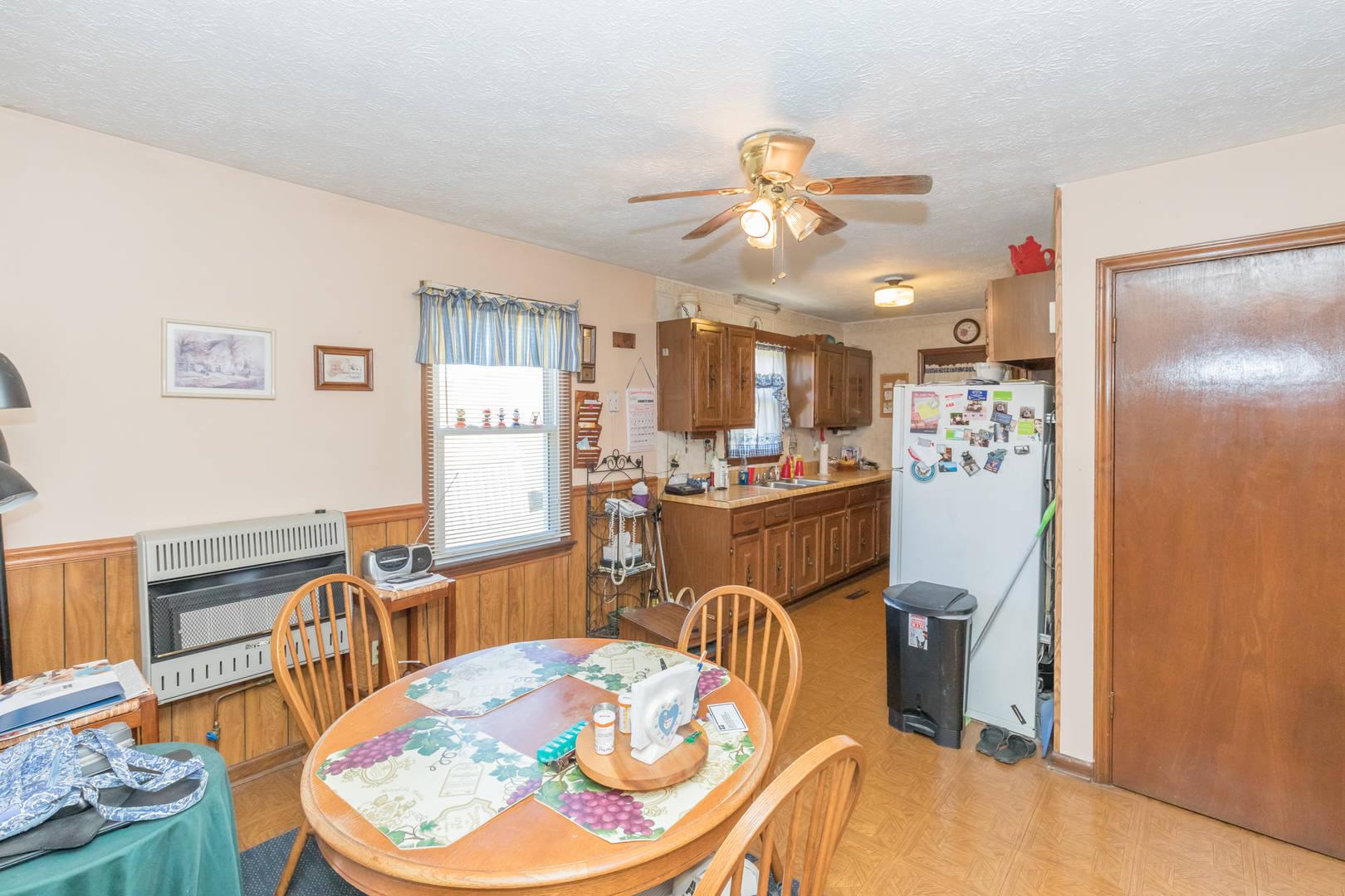 21 Meadowview Road Bland, VA 24315