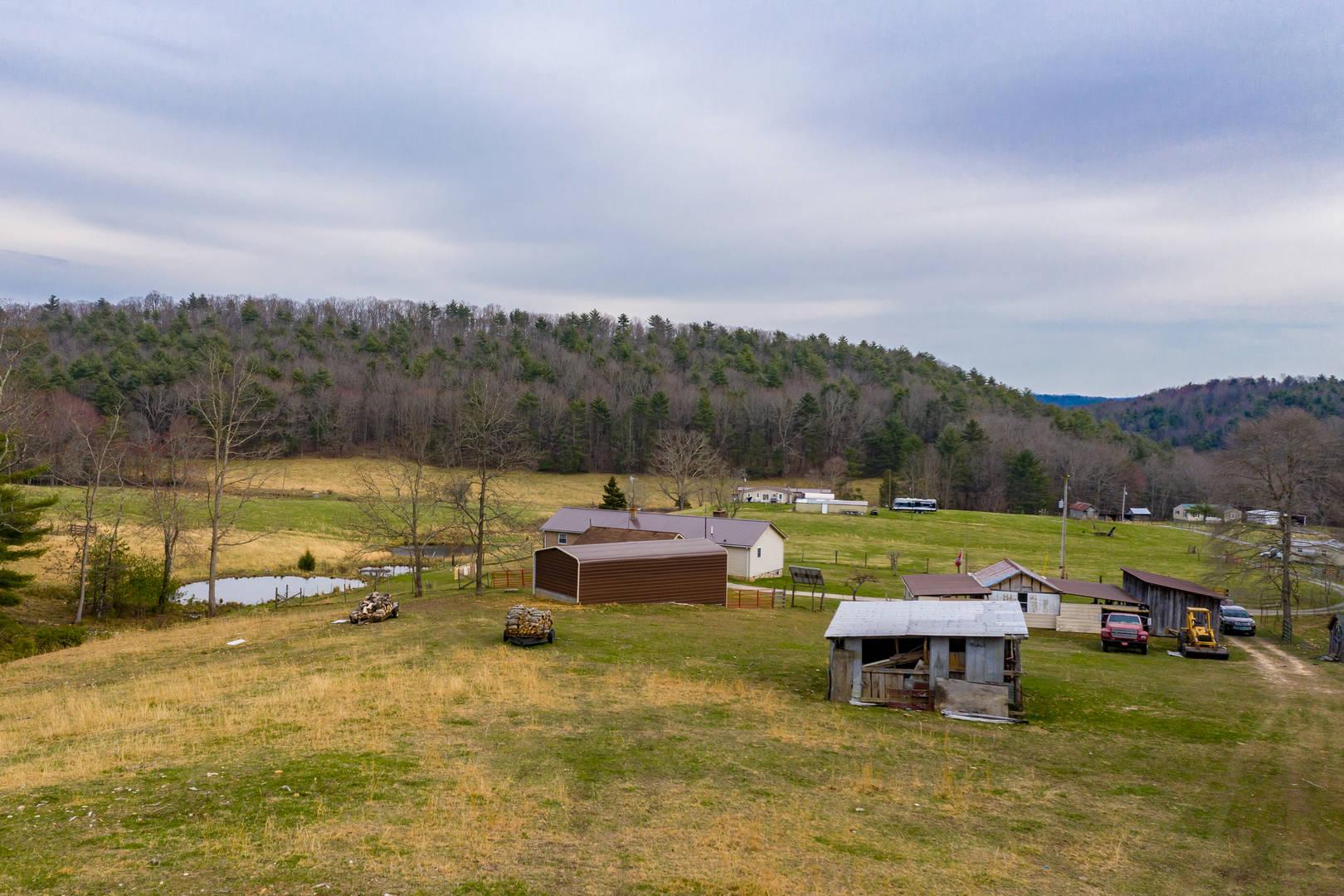496 Mount Taylor Drive Ivanhoe, VA 24350