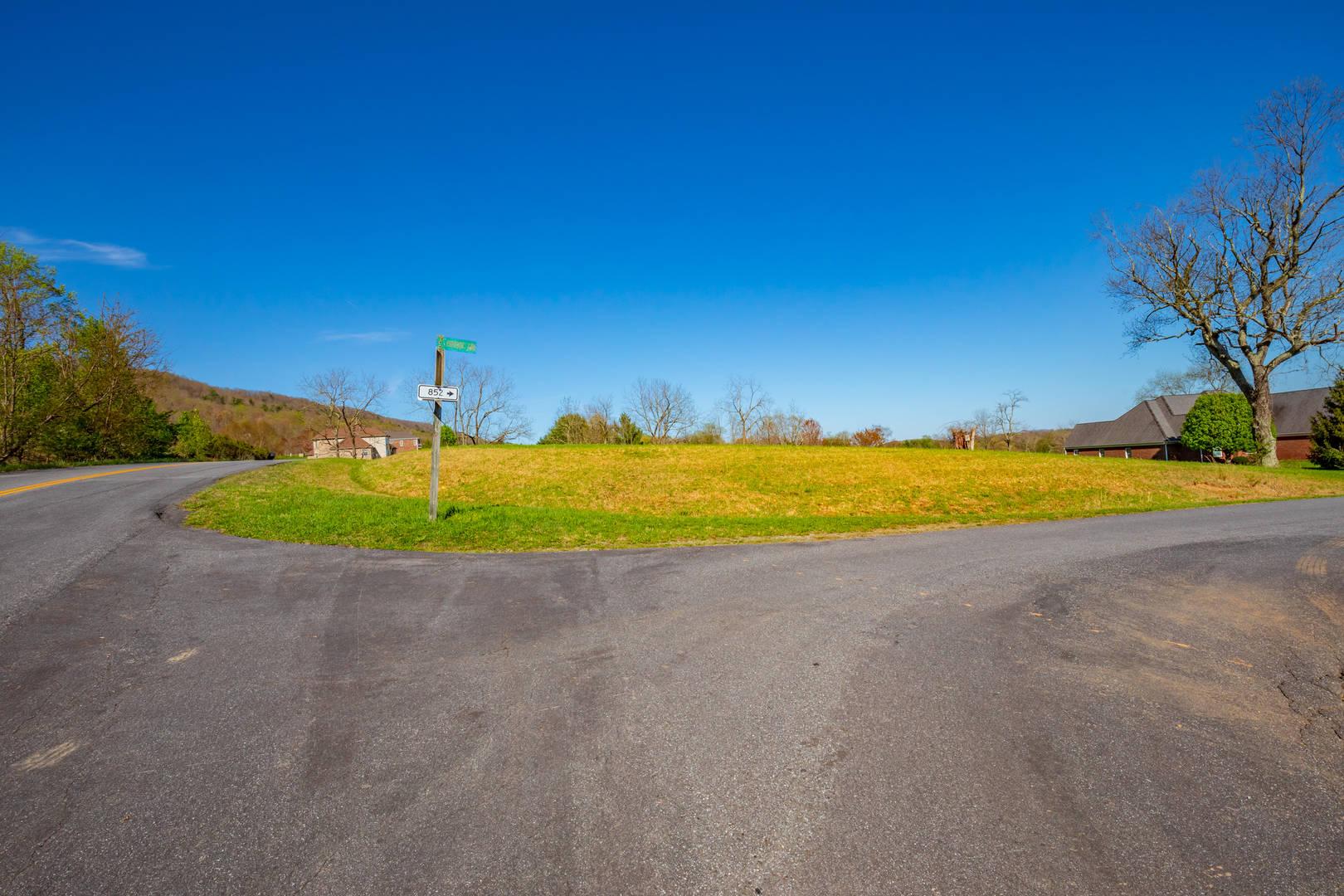 2944 Big Valley Drive Draper, VA 24324