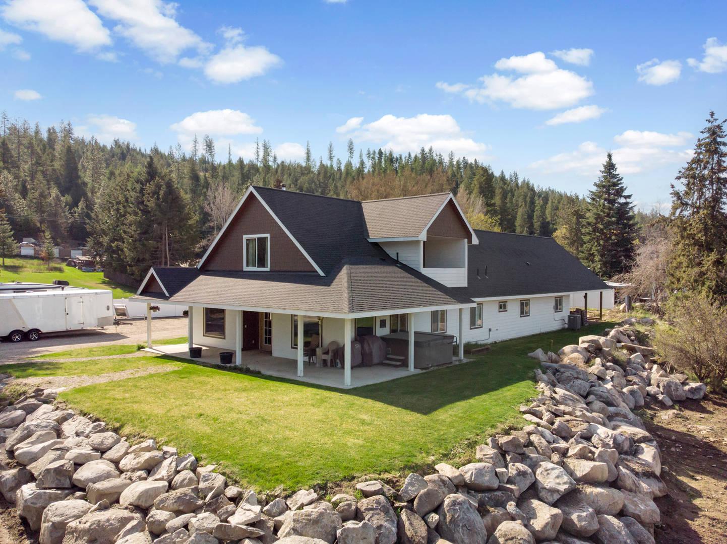 39605 N Elk Chattaroy Rd. Elk, WA 99009