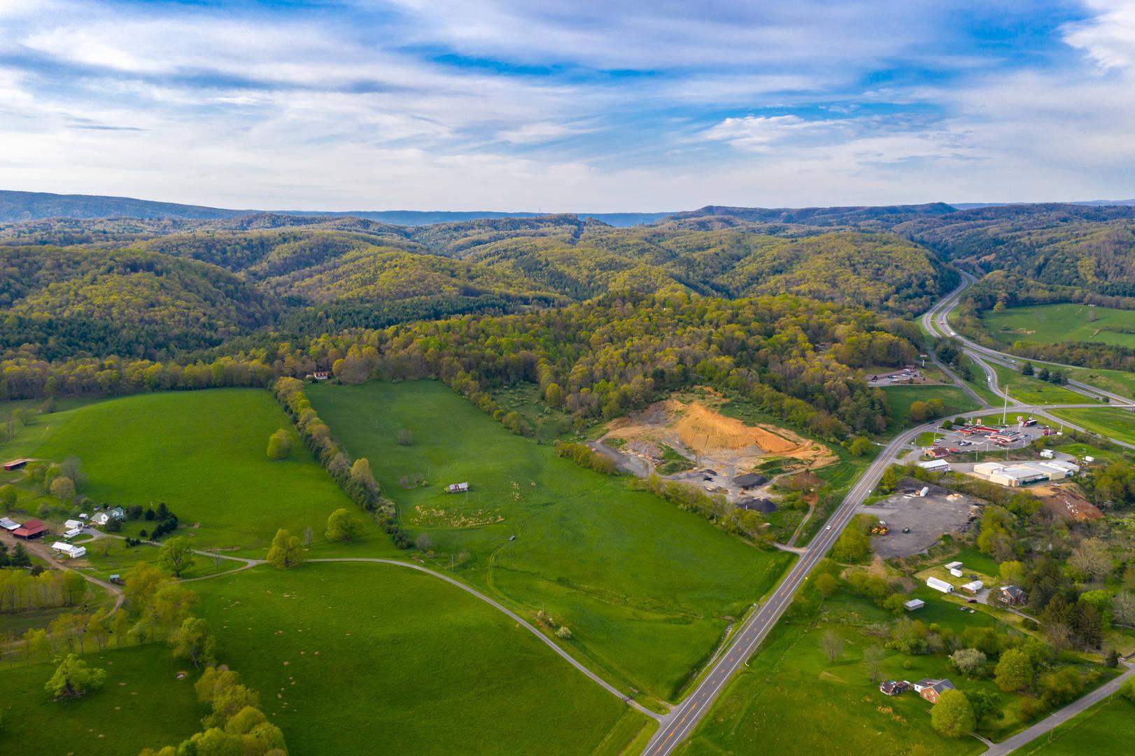 7647 S Scenic Highway Bland, VA 24315