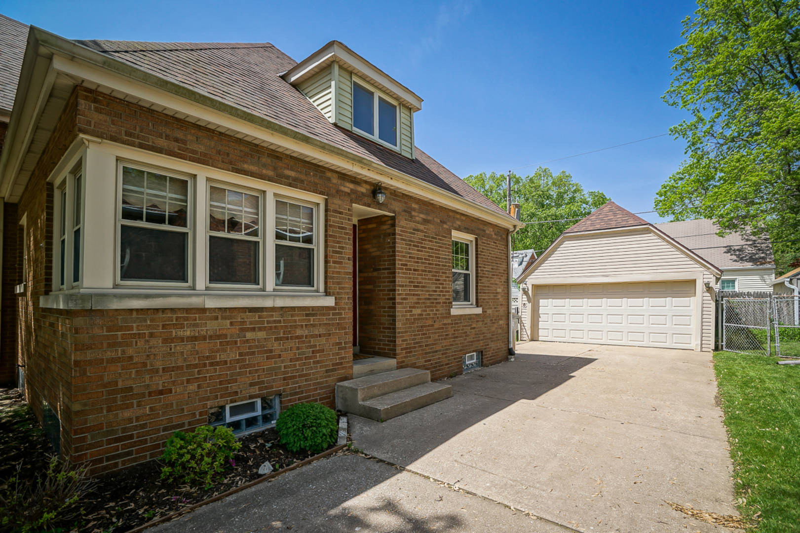 2617 W Manor Parkway Peoria, IL 61604