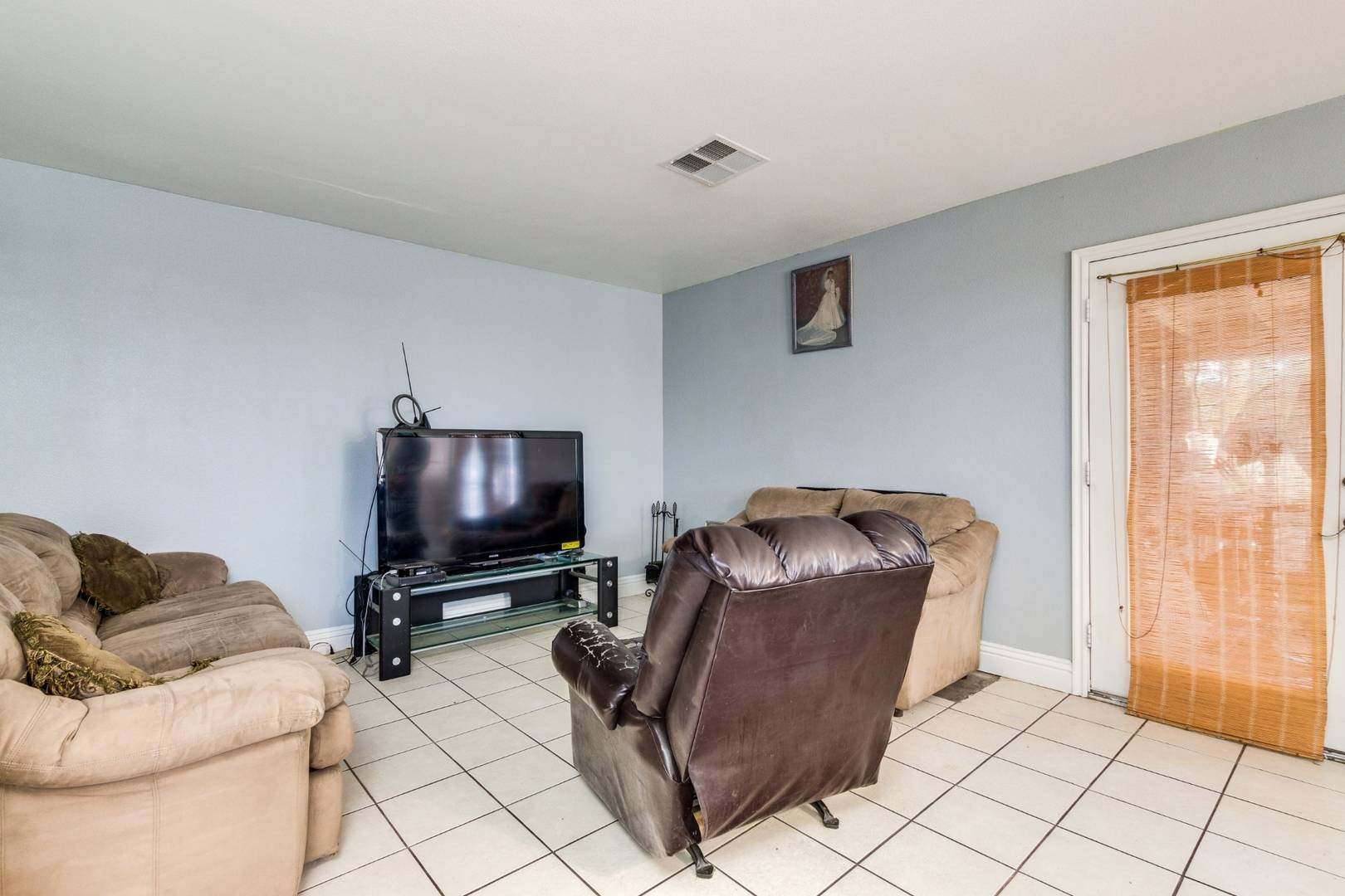 6525 W Chardonay Way Las Vegas, NV 89108