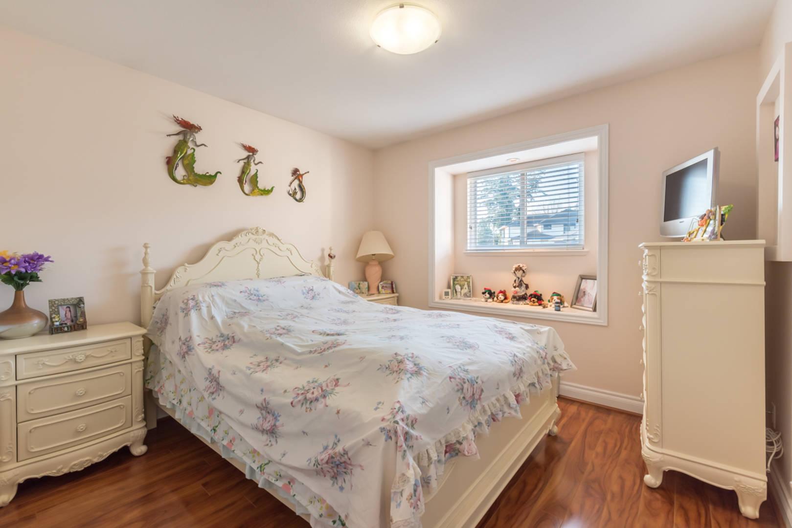 5633 148 Street  Surrey, BC V3S3B7