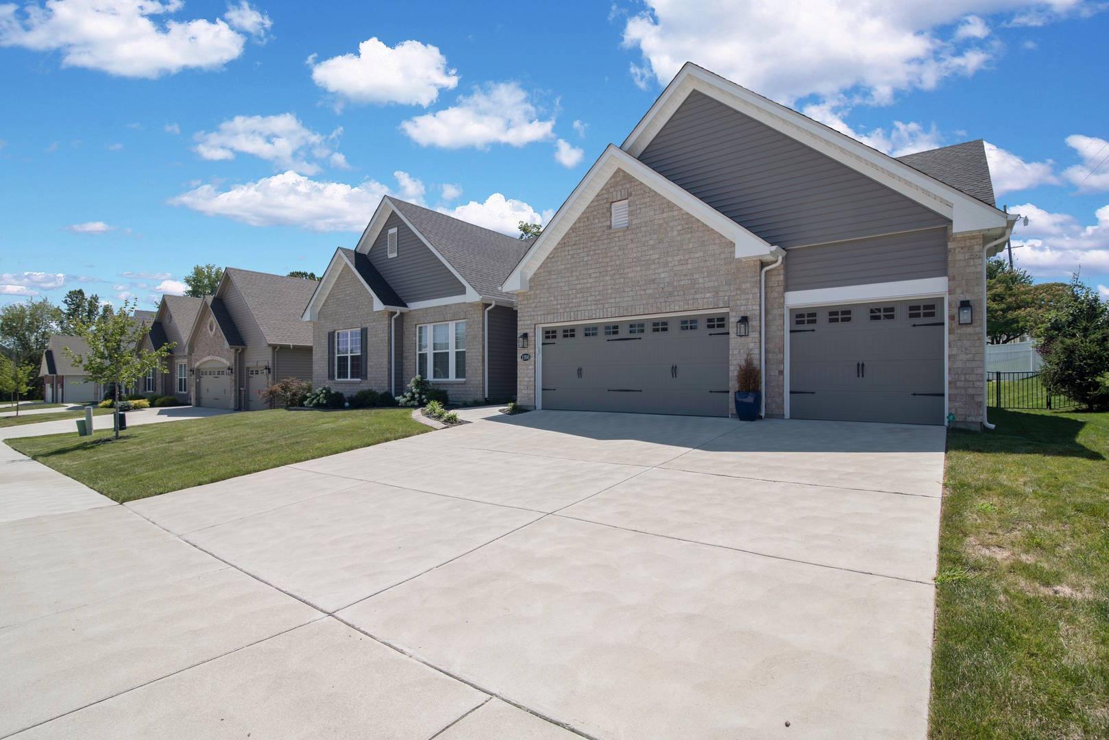 2700 Brook Hill Lane Saint Charles, MO 63303