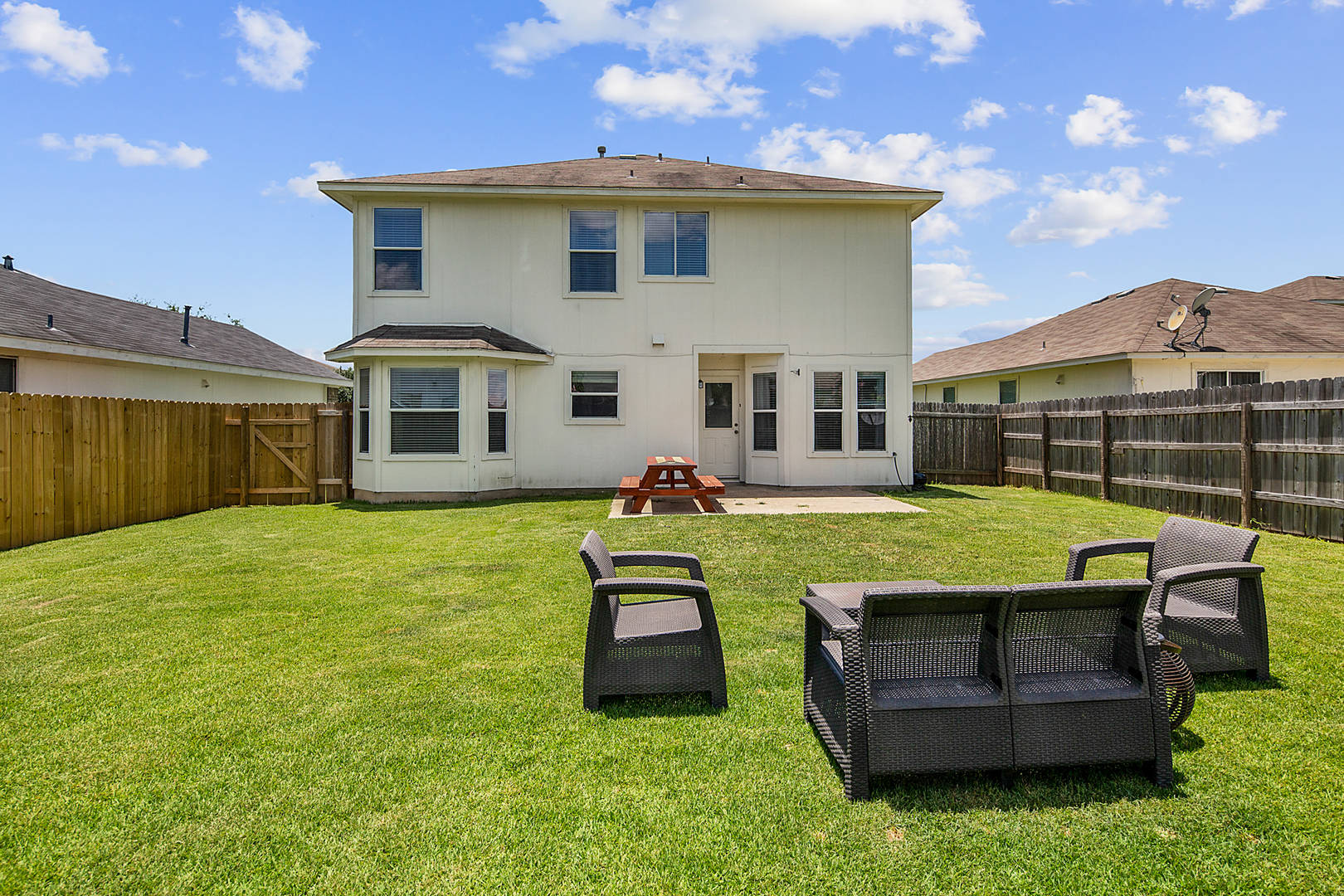 15209 Meredith Ln. College Station, TX 77845
