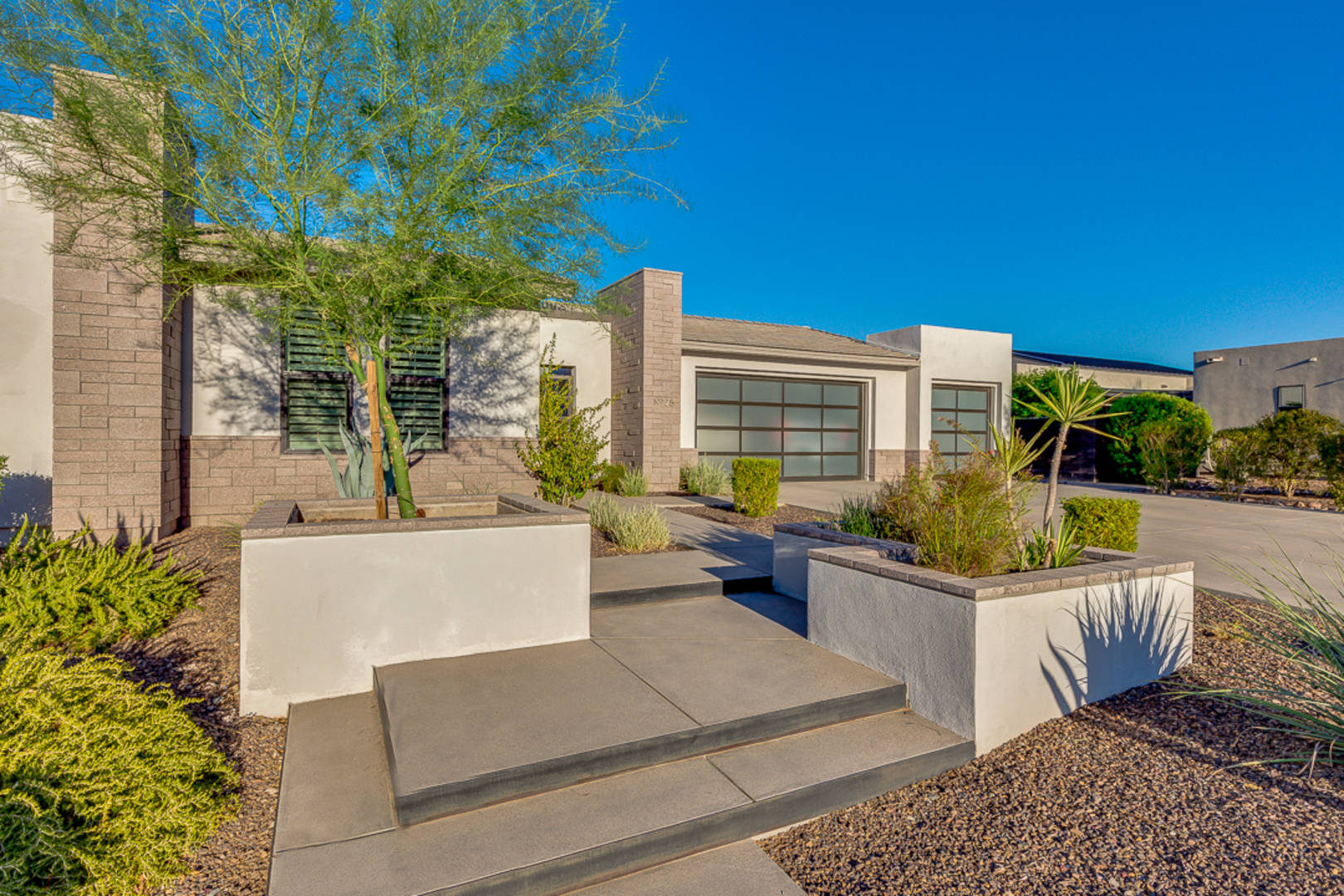 19725 N 39th Dr Glendale, AZ 85308