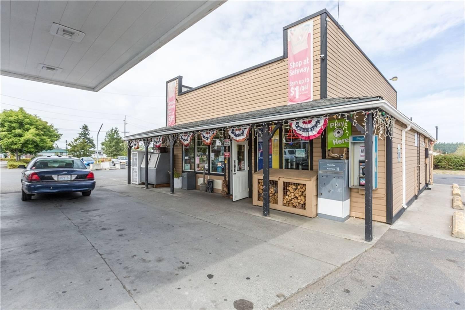 822 E Washington St, Sequim, WA 98382