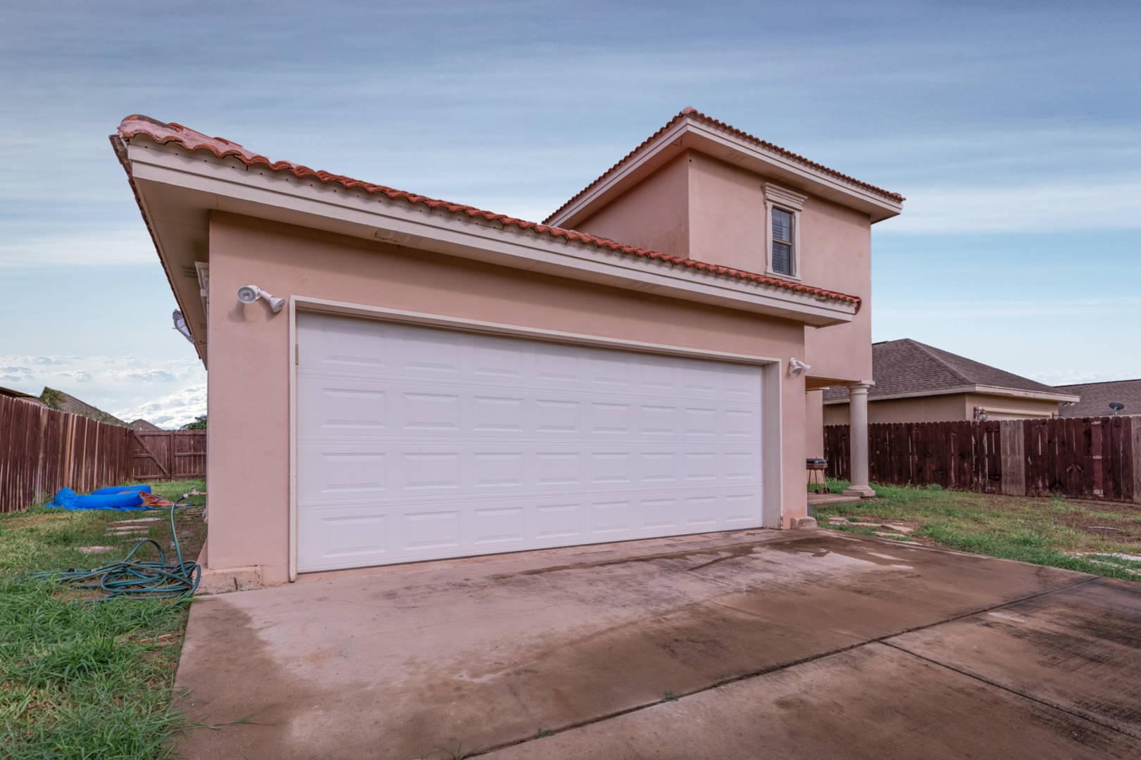 2000 Villa Real Dr. Pharr, TX 78577