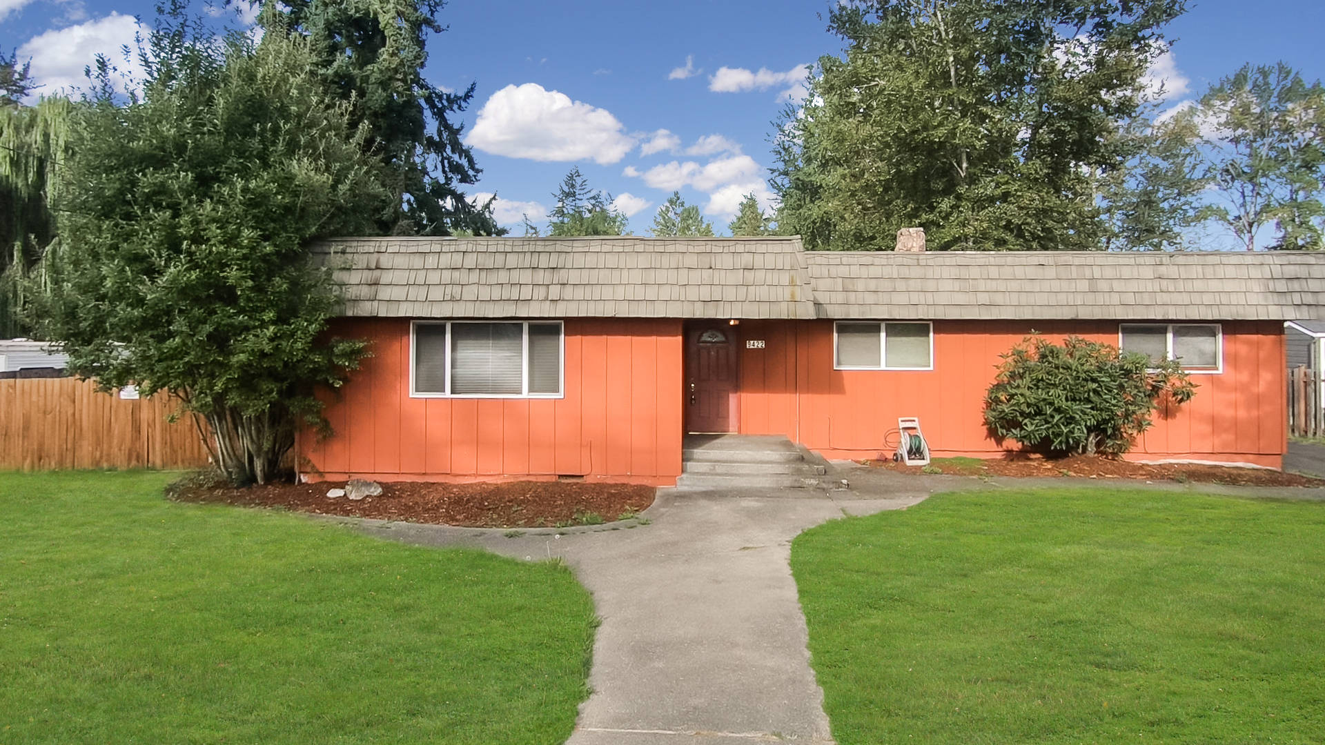 9422 - 24th Ave E Tacoma, WA 98445