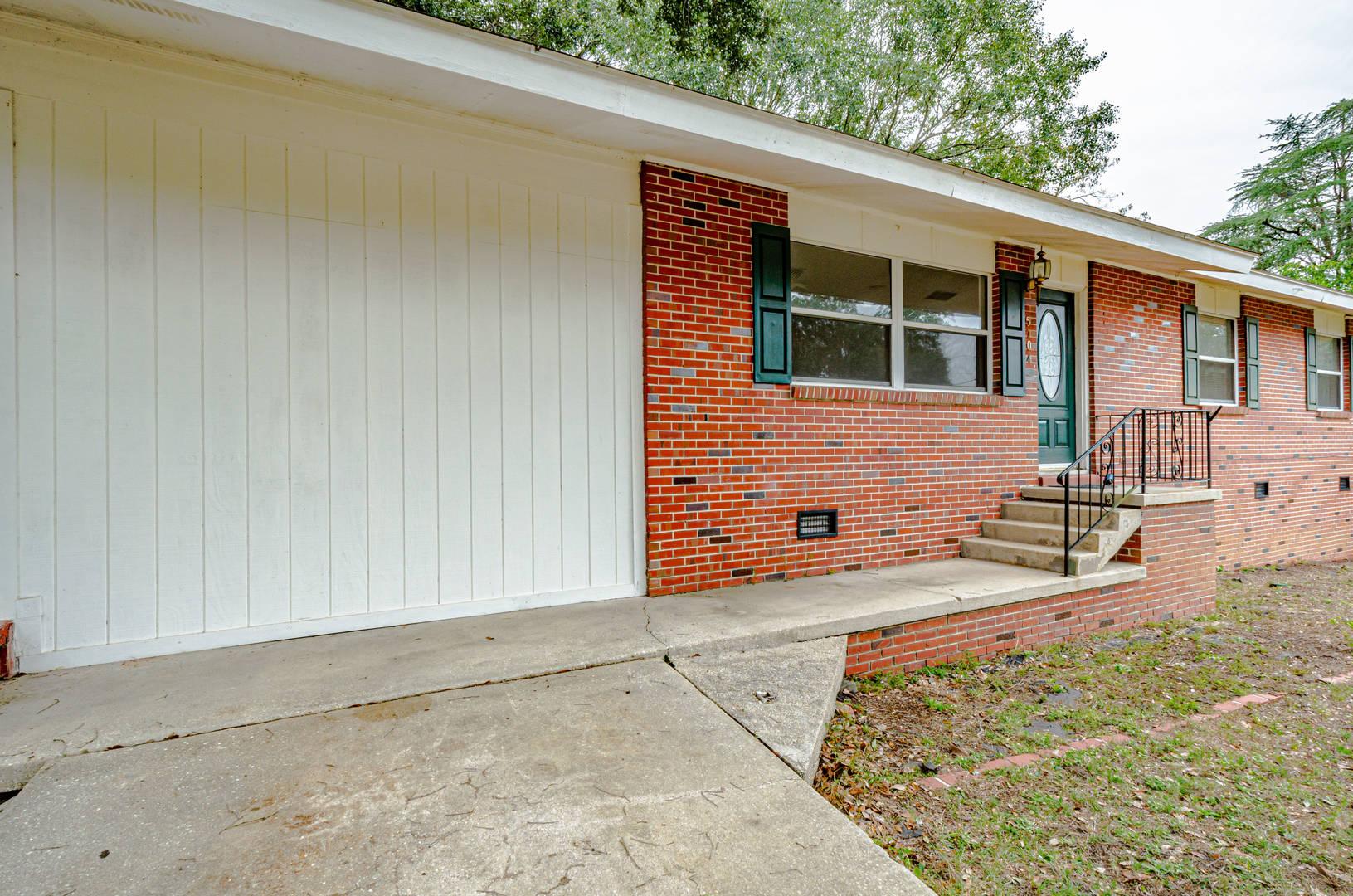 5704 East Shore Dr Pensacola, FL 32505
