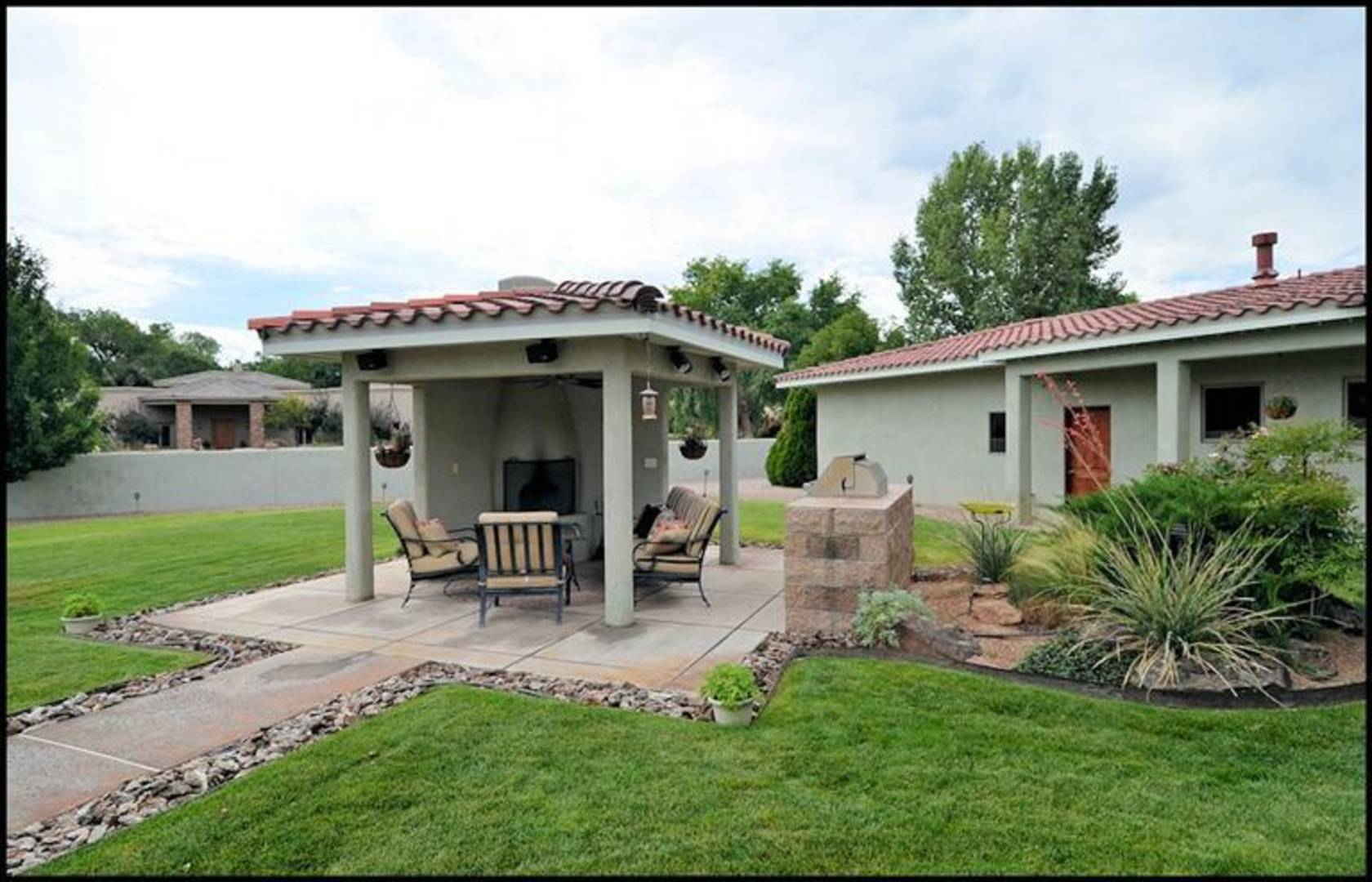 250 Bazan Loop Corrales, NM 87048