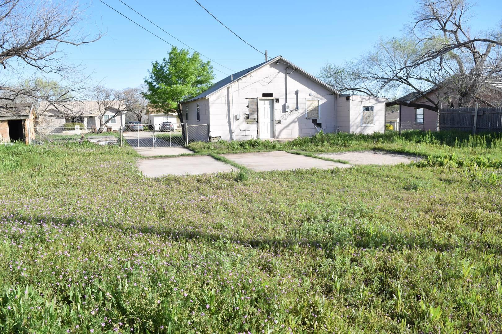 1522 E 17th St Big Spring, TX 79720