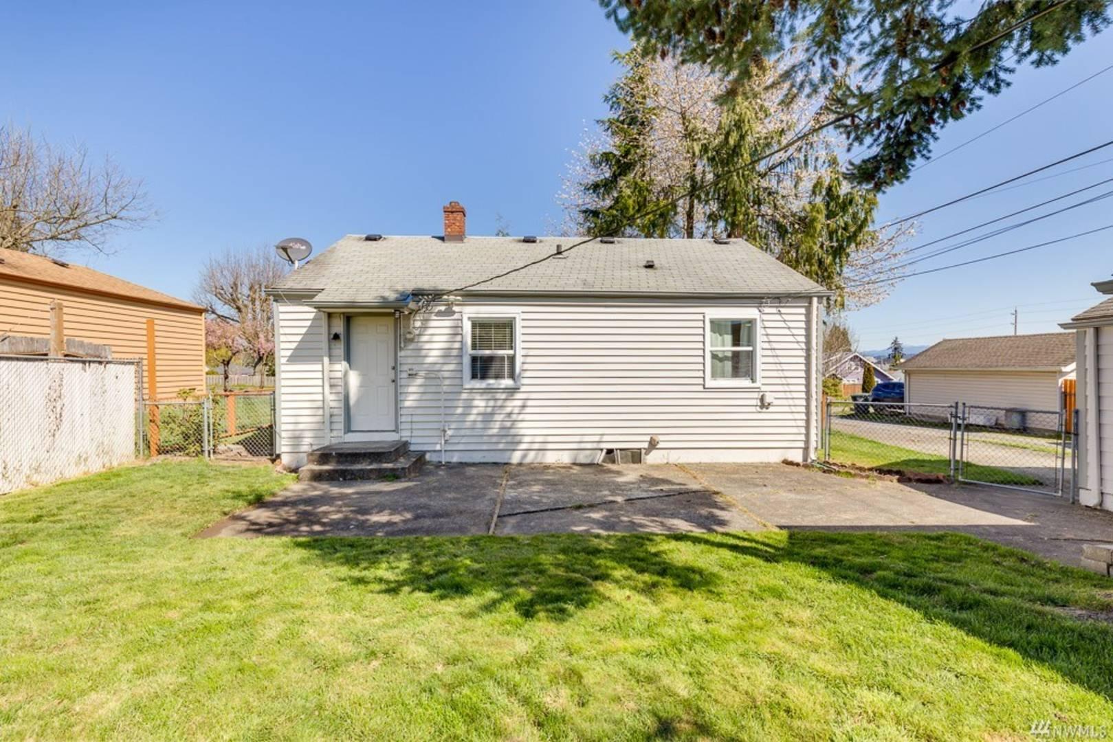 3008 18th St, Everett, WA 98201