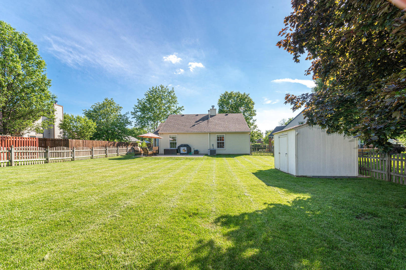 11452 Wilmington Circle Fishers, IN 46038