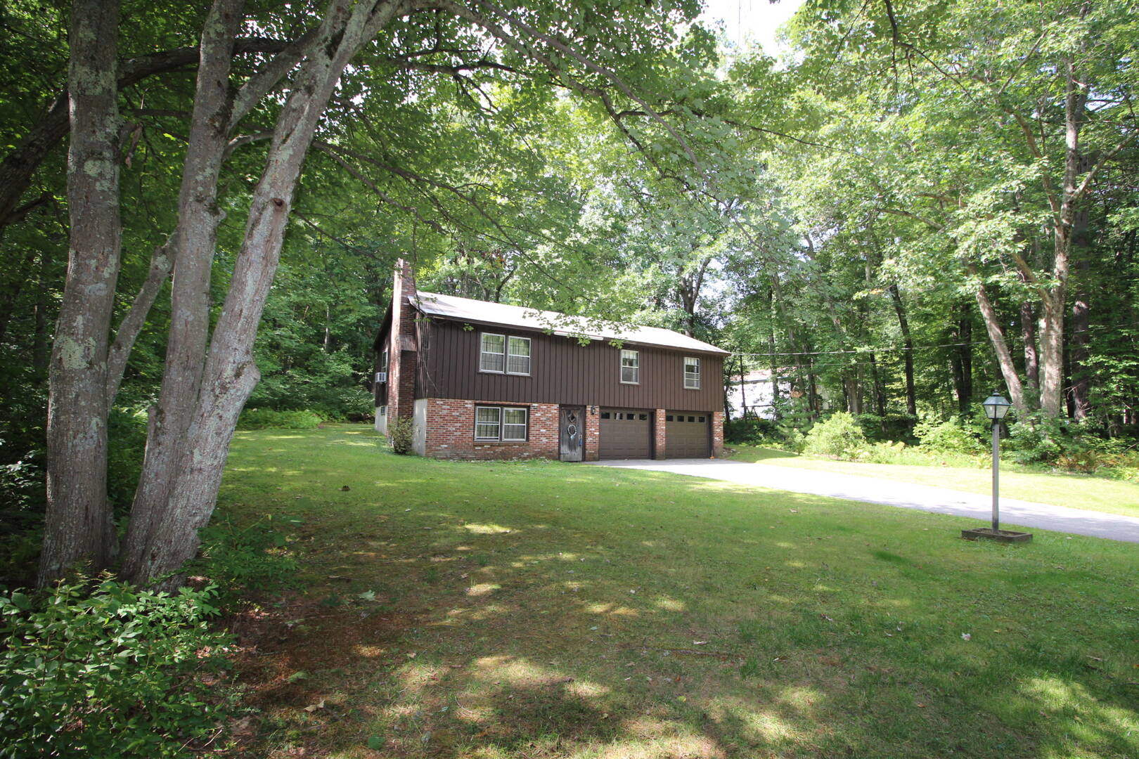 8 Woodcrest Avenue Hudson NH 03051 Hudson, NH 03051
