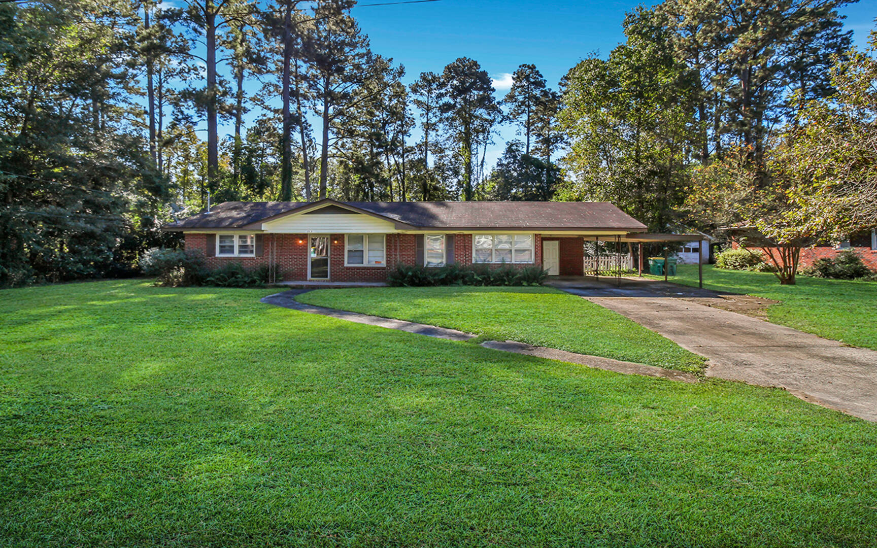 213 Holly Avenue Pooler, GA 31322