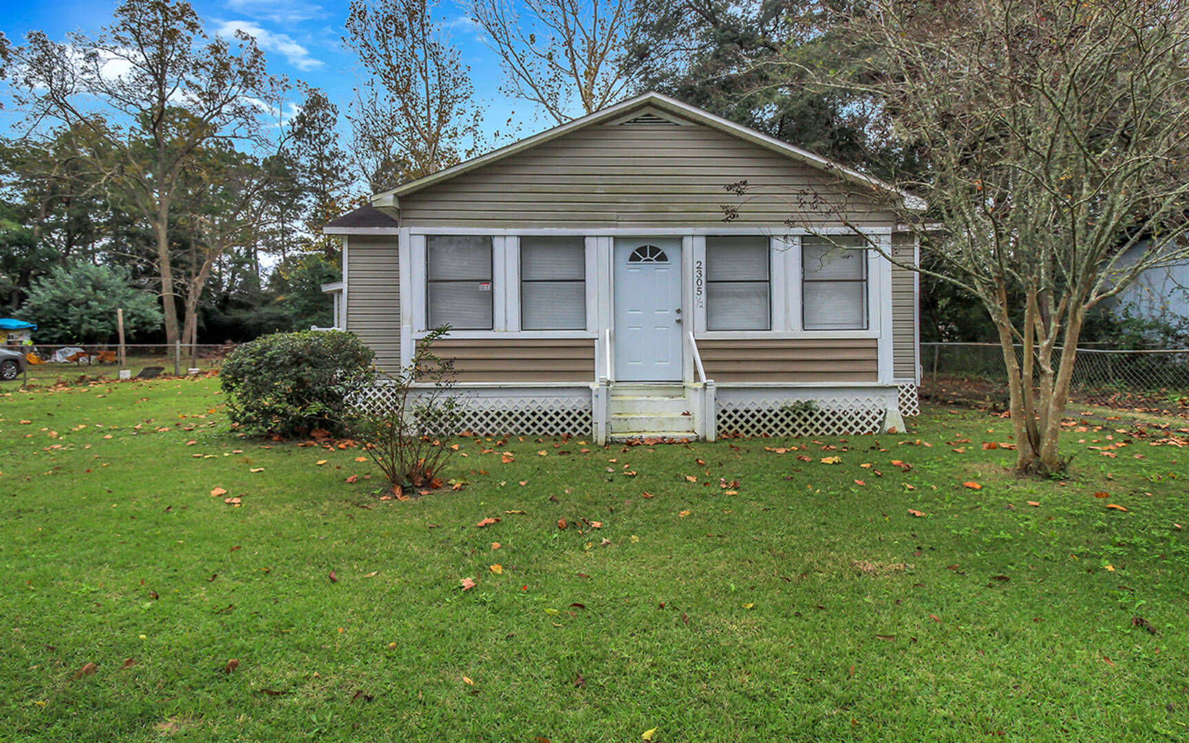 2305 1/2 Shaw Avenue Savannah, GA 31408