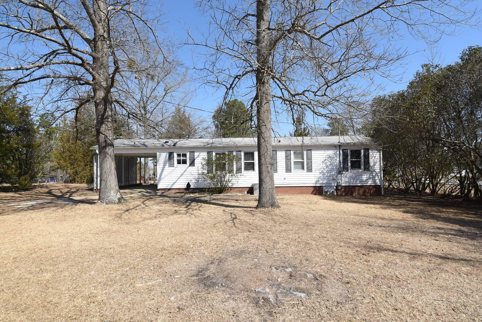 405 Archie St Spring Lake, NC 28390