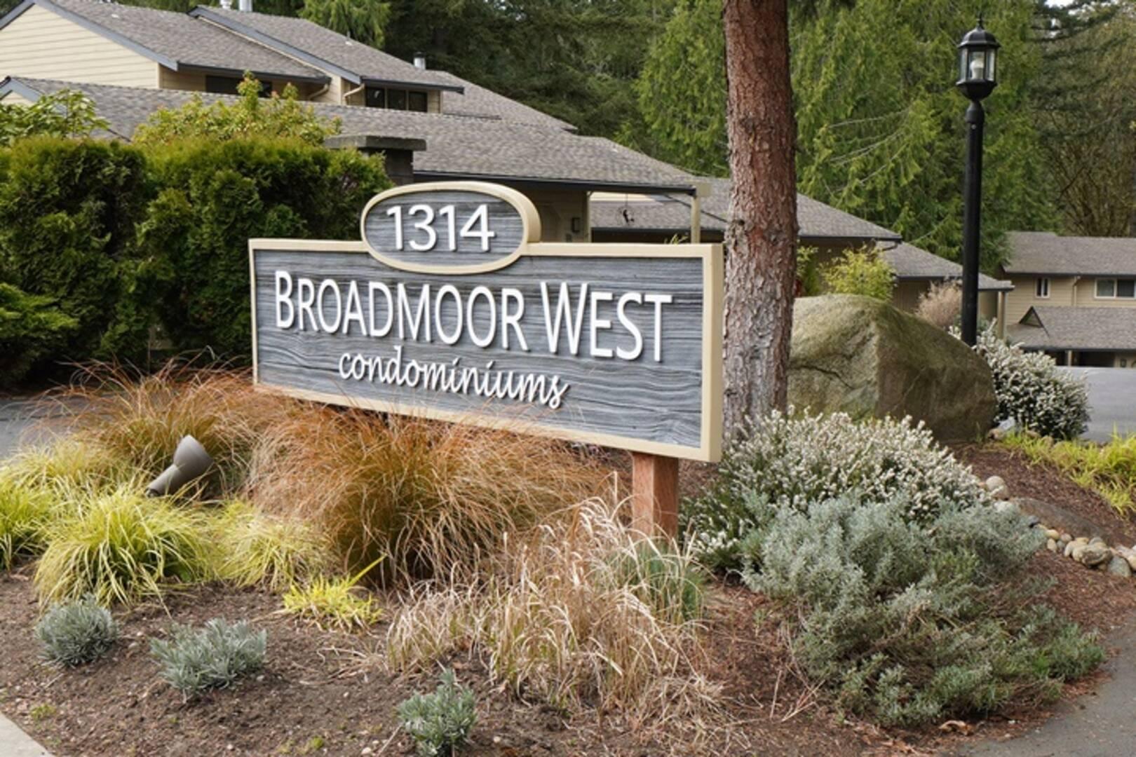 1314 Evergreen Park Dr SW Unit #P Olympia, WA 98502