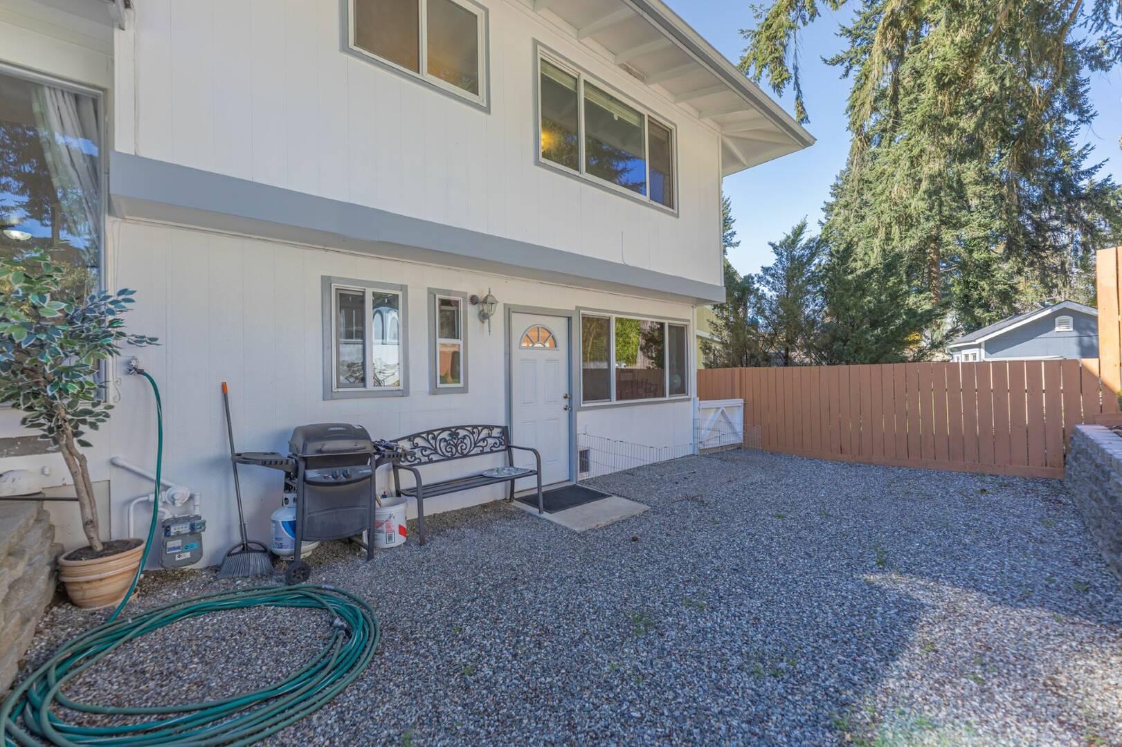 1504 168th Ave NE Bellevue, WA 98008