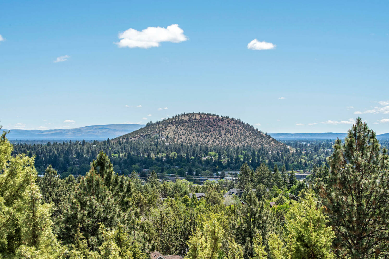 553 NW Greyhawk Ave. Bend, OR 97703