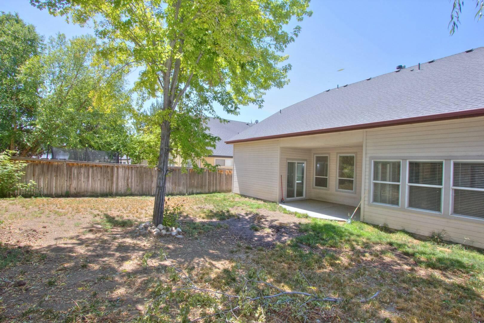 2120 N Eagle Creek Ln Eagle, ID 83616