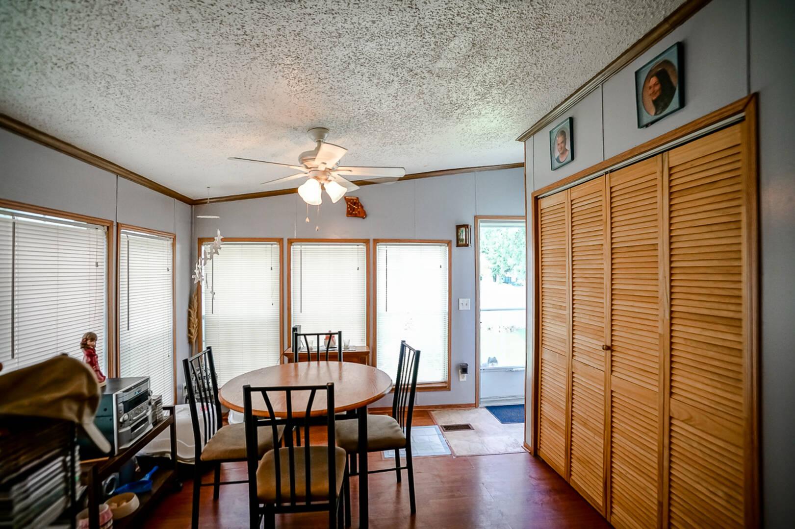 78 Pinewood Estates Chillicothe, IL 61523