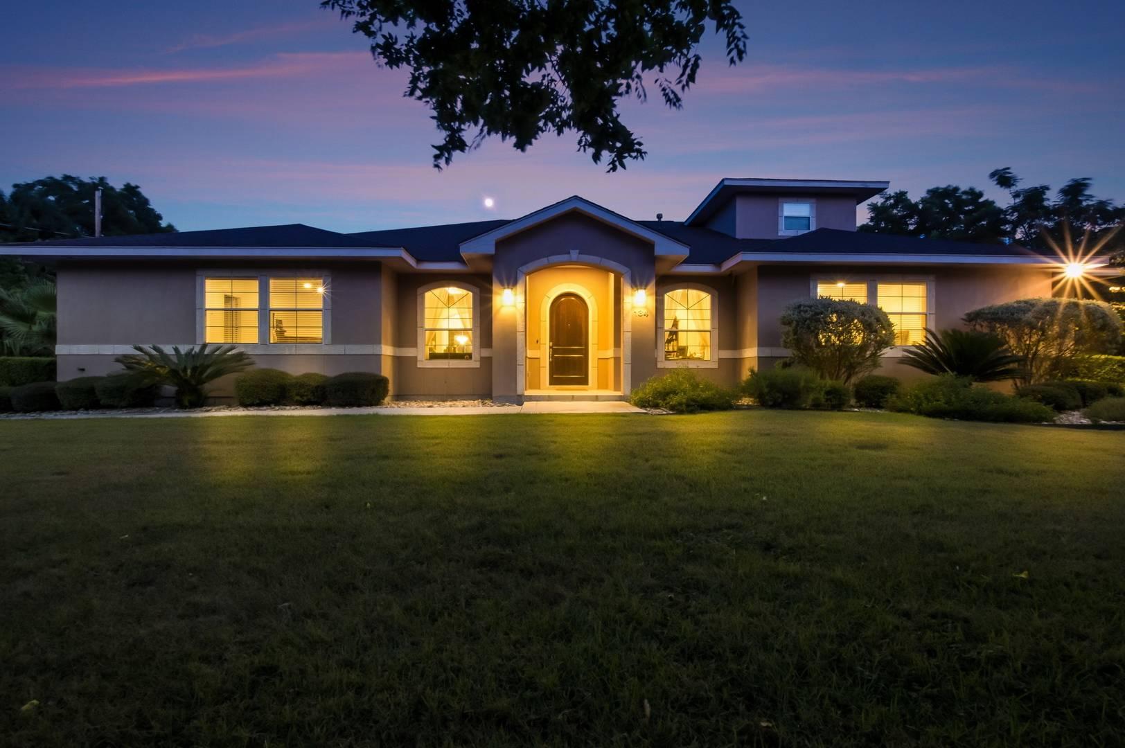 134 S Winston Ln  San Antonio, TX 78213