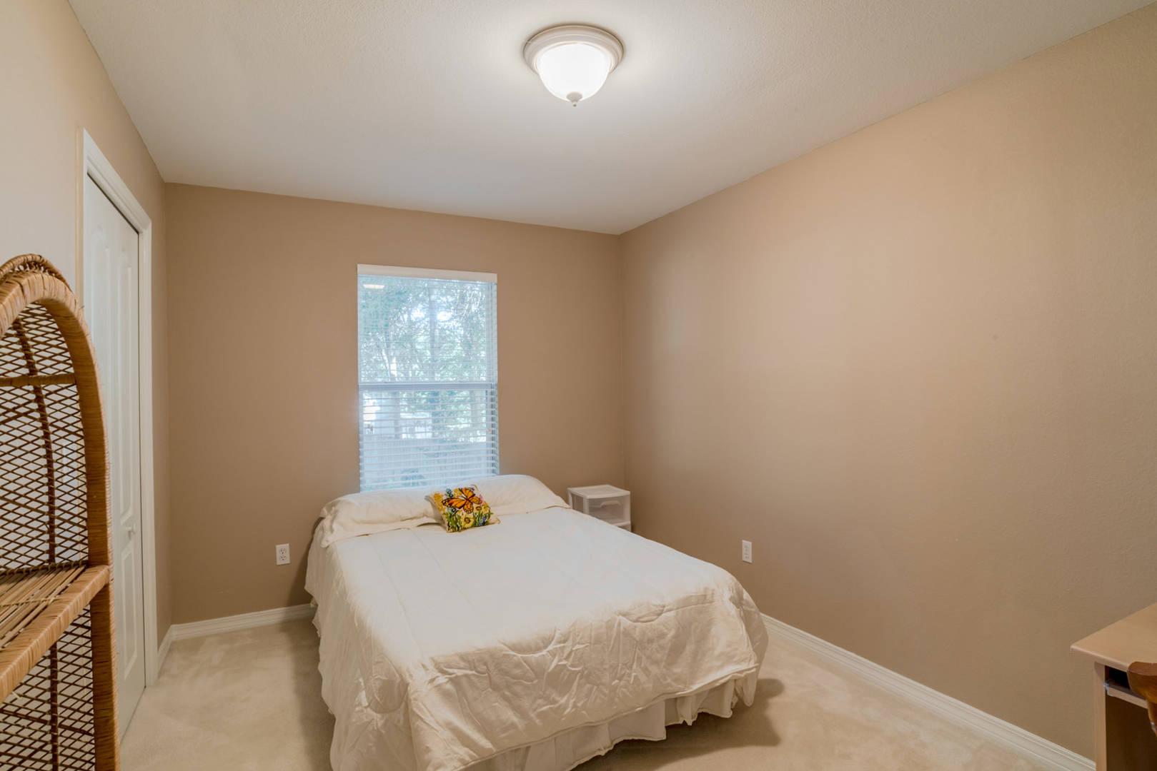 1650 Kinsale Dr  Cantonment, FL 32533